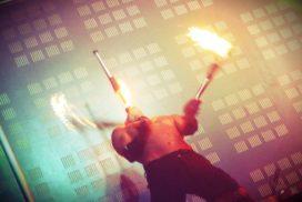cracheurs de feu performeurs booking - concepts soirées clubbing artistes performeurs