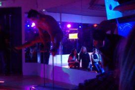 concepts soirées clubbing artistes performeurs équilibriste