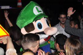 concepts soirées clubbing artistes performeurs mascotte luigi