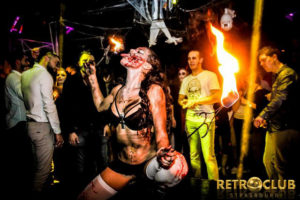 Concepts de soirées clubbing artistes performeurs cirque france walking dead zombies