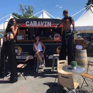 concepts évènementiel concerts camping festival performeurs échassiers salon convention