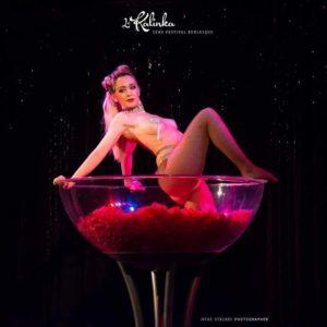 show coupe martine géante burlesque show